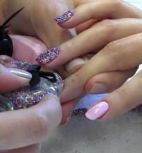 Caviar Nails – Será que a moda pega?