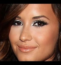 Demi Lovato, Makeup Inspired. VMA 2011