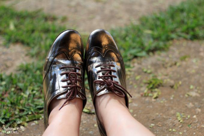 Sapato dourado Luz da Lua