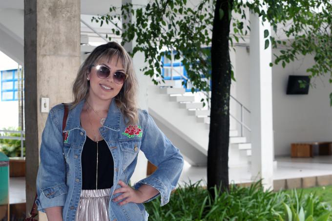 jaqueta-jeans-com-bordado